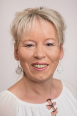 Evelyn Bach